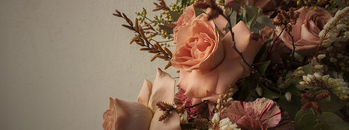 fruhansenblomster_bouquet_cappuchinorose_1